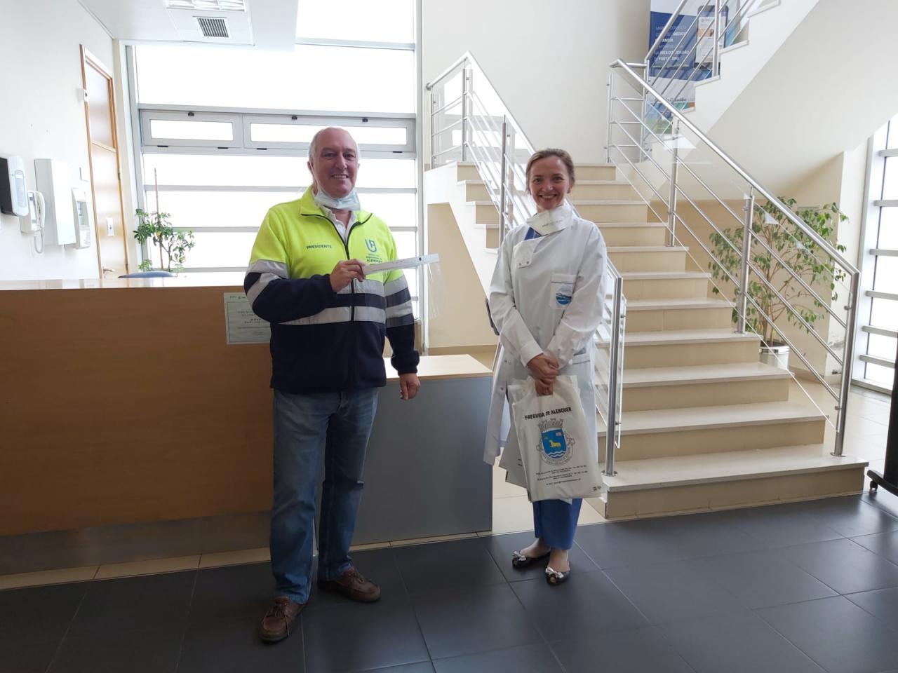 Freguesia oferece 35 viseiras ao Centro de Saúde de Alenquer