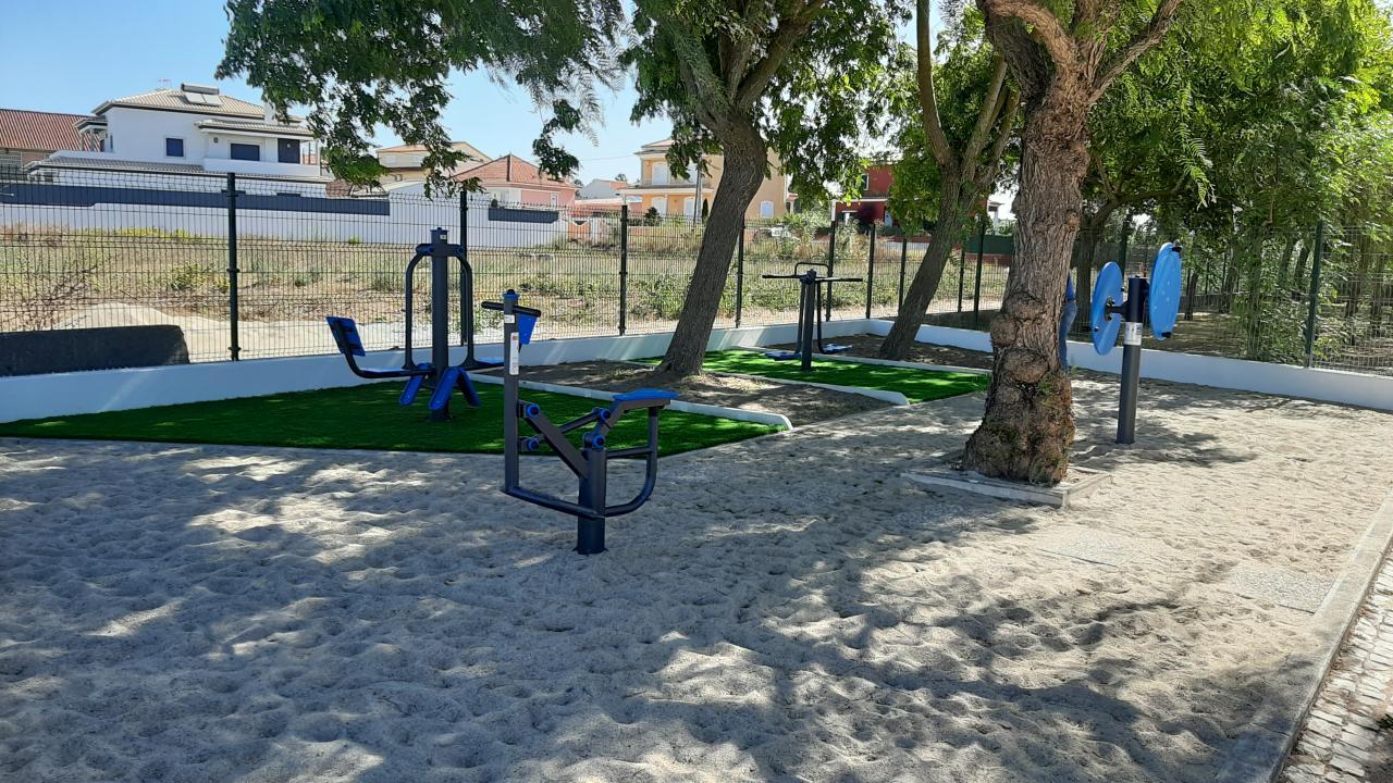 Freguesia instala um parque desportivo no Camarnal