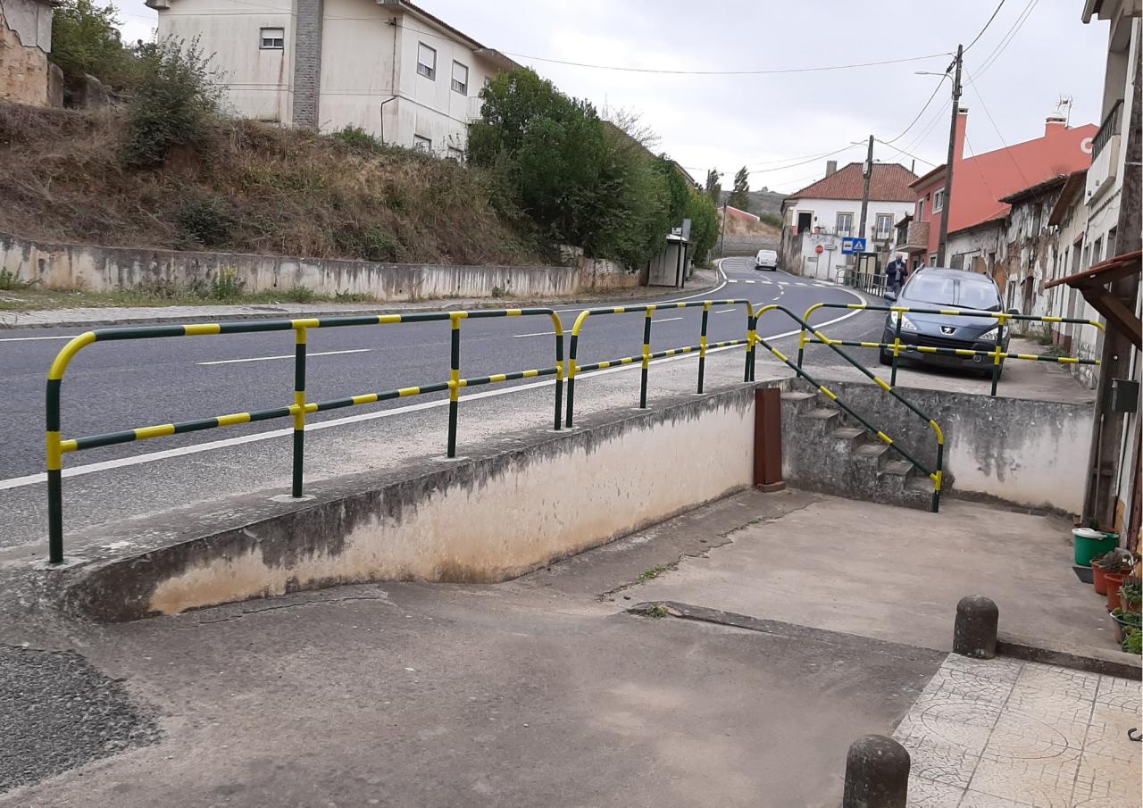 Inicio da operação manutenção de gradeamentos e ferros na Freguesia